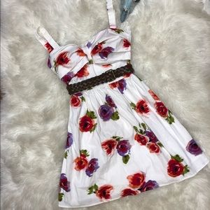 City Studio White Floral Belted Sweatheart Dress